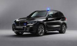 BMW X5 protected from shots from a Kalashnikov