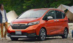Compact MPV Honda Freed has been enriched version Crosstar
