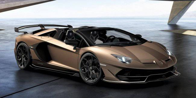 Lamborghini has postponed the release of the successor to the Aventador for another 2 years