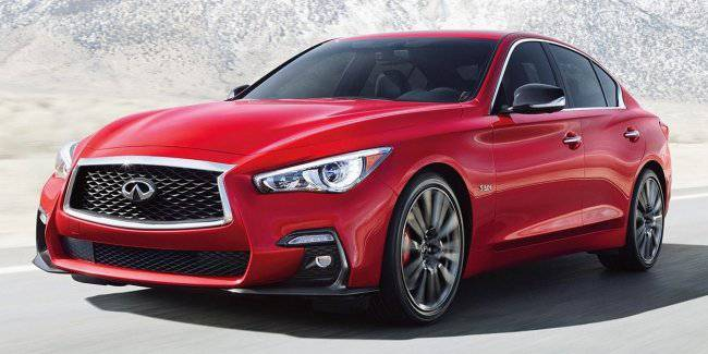 The new Infiniti Q50 has decided to abandon the turbo
