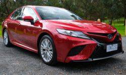Toyota has modernized the conservative Camry using the Camry Hybrid SL