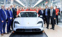 "Porsche showed a video of the Assembly Taycan, the ""factory of the future"""