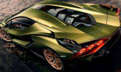 Four-door Lamborghini will receive the electric motor