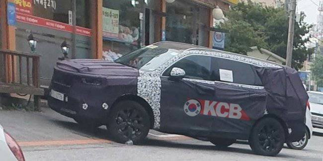 New Kia Sorento spotted on tests