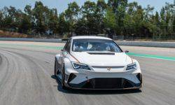 Mattias ekström debut behind the wheel of an electric racing Cupra with a power of 670 HP