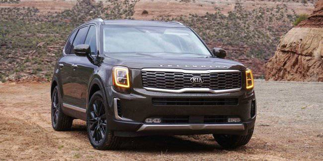 The owners of the new KIA Telluride and Subaru Forester complain about their cars
