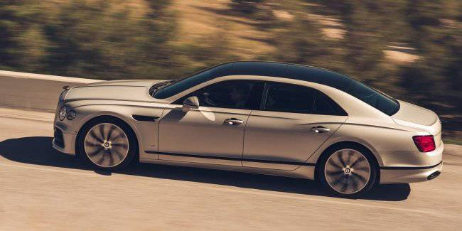 """Bentley has begun accepting orders for the """"very black"""" version of the new Flying Spur"""