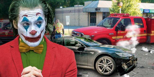 Joaquin Phoenix, who played the Joker, crashed into a Tesla car fire
