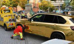"""Too bright"": the police were forbidden to ride on the ""gold"" BMW X5"