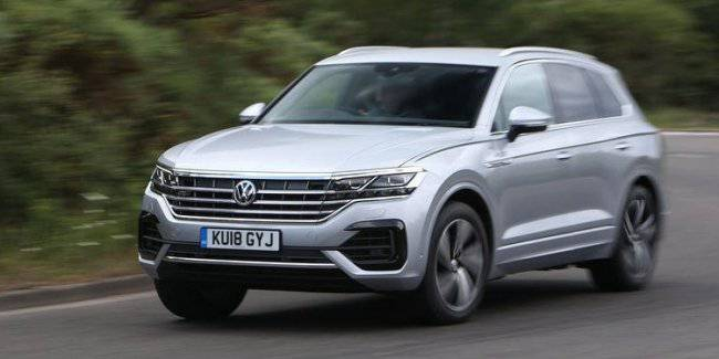 New VW Touareg R will get a two-liter gasoline engine and an electric motor