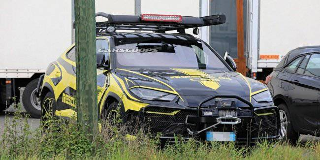 Lamborghini tests rescue crossover Urus