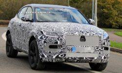Jaguar brought to test a prototype of the updated crossover E-Pace