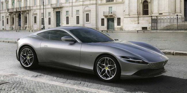 Ferrari introduced the new Grand Tourer of Roma, dedicated to Italy