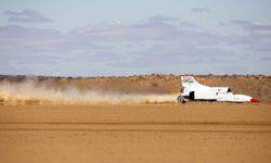 Bloodhound jet car LSR accelerated to 1011 km/h
