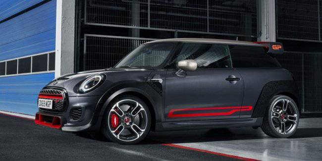 Presented the fastest in the history of the MINI: specs and photos of new items