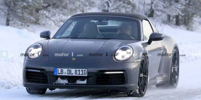 Porsche 911 Targa being tested in the Arctic