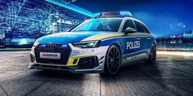 """Charged"" Audi RS4 Avant turned in a patrol car"