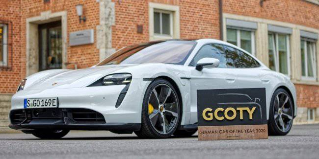 Electric car Porsche Taycan voted car of the year in Germany