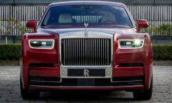 "Rolls-Royce has shown a unique Phantom c ""crystal"" paint"