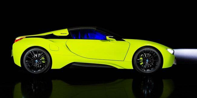 BMW showed the i8 LimeLight Edition