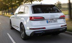 Hybrid Audi Q7 was released in two versions