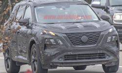 New Nissan X-Trail noticed during testing