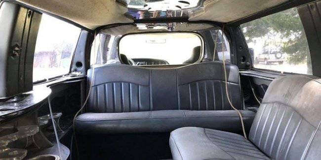 Put up for sale the 11-meter limousine pickup Dodge