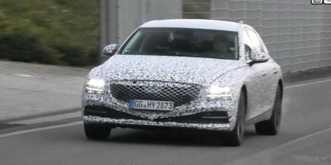 The prototype Executive sedan Genesis G80 caught at the Nurburgring
