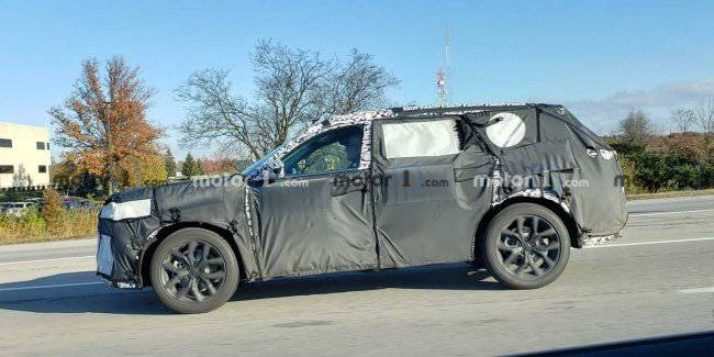 Appeared spy photos from test drive crossover vehicle Acura MDX