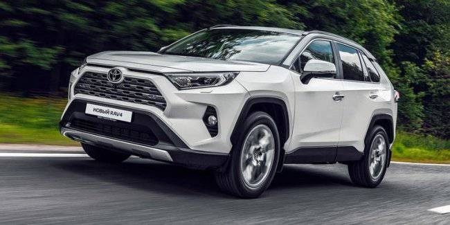 """The Toyota RAV4 crossover will recalibrate the ESP after the """"moose"""" test"""
