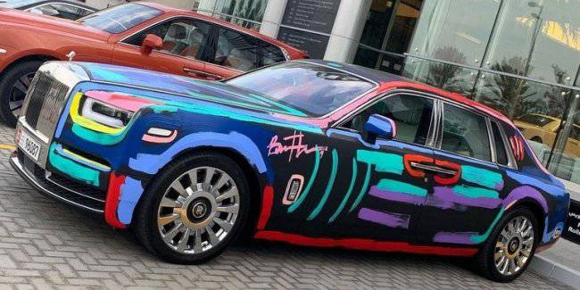 Street artist made Rolls-Royce Phantom unique