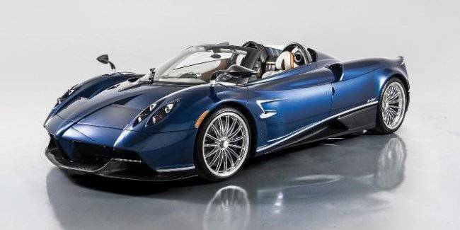 Unique Roadster Carbon Pagani Huayra put up for auction