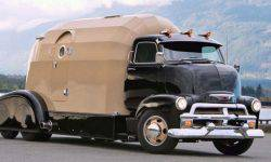 Custom Chevrolet Tourliner 1954 — the house at the base of the hot rod