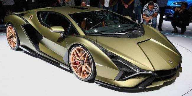 The CEO of Lamborghini told about upcoming cars