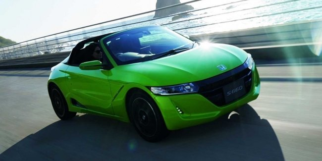 Honda slightly updated the most compact sports car
