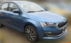 "Sedan and hatchback Skoda Rapid revealed at ""live"" photo"