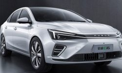 Electrostan Ei6 Roewe debuts in Beijing in April