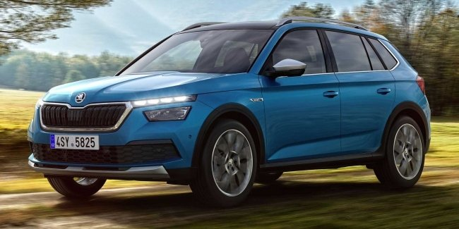 There are shots of the crossover Skoda Kamiq in version Scoutline