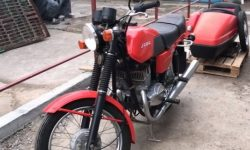 "In the garage after 29 years found a new motorcycle ""Java"""