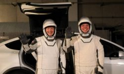 Crossovers Tesla will deliver astronauts to the rockets