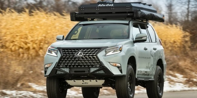Lexus has released adventure GX with a rooftop tent