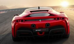 Ferrari showed the whole process of assembling the most powerful supercar
