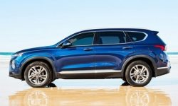Updated Hyundai Santa Fe spotted with new led headlights