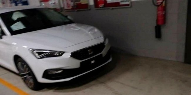 The exterior of the new SEAT Leon declassified before the premiere