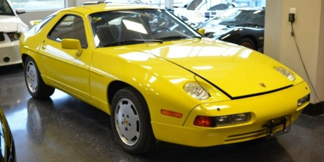 Pretty rare Porsche 928 sold for $150 000