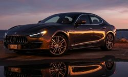 The first hybrid Maserati will show at the motor show in Beijing