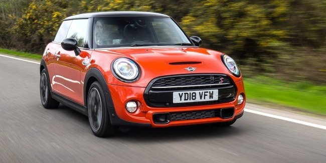 MINI intends to release a mid-engined Roadster