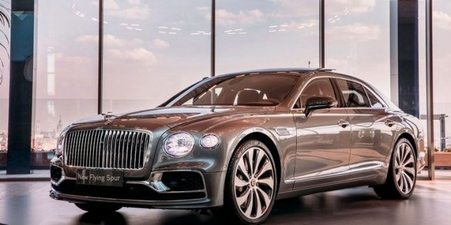 Bentley has started deliveries of the new Bentley Flying Spur