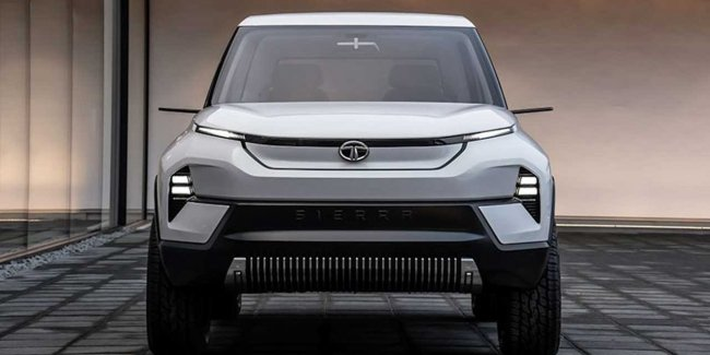 Tata introduced the electric car with moss at the salon at the motor show in new Delhi