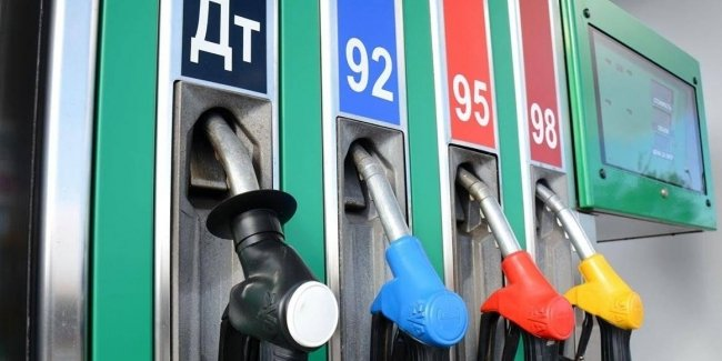 Large chain gas stations have lowered the price of gasoline and diesel fuel